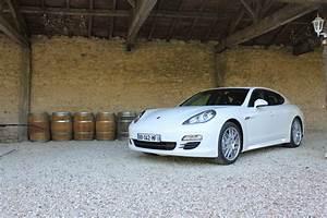 Porsche Panamera Hybride : une porsche panamera hybride rechargeable l 39 tude ~ Medecine-chirurgie-esthetiques.com Avis de Voitures