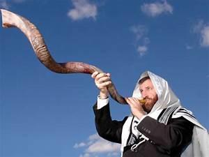 blowing Shofar Rosh Hashanah | Catholic Lane