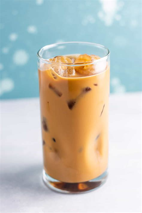 This instant iced coffee recipe is a game changer! Best Easy Instant Iced Coffee Recipe - Build Your Bite