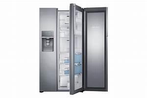 Kühlschrank Und Gefrierkombination : eine k hl gefrierkombination mit eisw rfelspender ~ Markanthonyermac.com Haus und Dekorationen