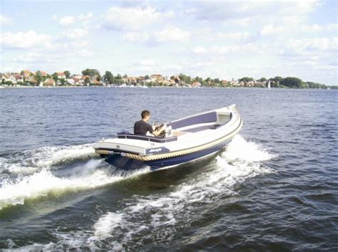Auf Dem Boot by Boote Arten Und Bauart Allgemeine Infos Bootpedia De