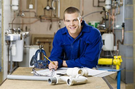 scholarships  drive  costs  vocational students