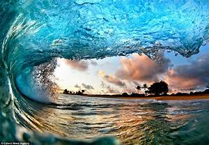 Inside the stunning waves of Hawaii: Pair of photographers ...