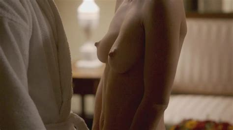 Naked Lizzy Caplan In Masters Of Sex