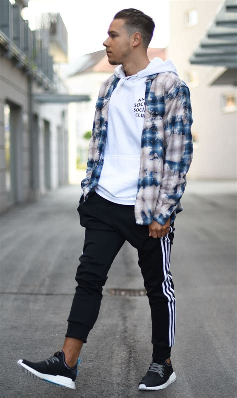 Relaxed Hype Wear Street Style Joggers Outfit Mens