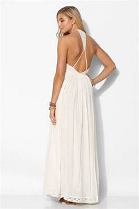 lyst kimchi blue dove crinkle gauze maxi dress in white With robe blanche fluide