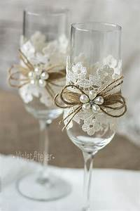Flûtes à Champagne Originales : lace toasting flutes pearl flower champagne wedding ~ Teatrodelosmanantiales.com Idées de Décoration