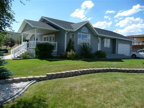 large family home   heart  bear lake garden city