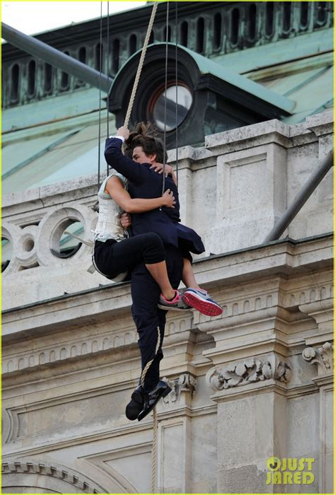 tom cruise hangs   air   stunt woman  mi photo  mission impossible