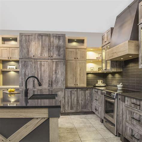 peinture meuble cuisine stratifié les 25 meilleures idées concernant armoires de mélamine