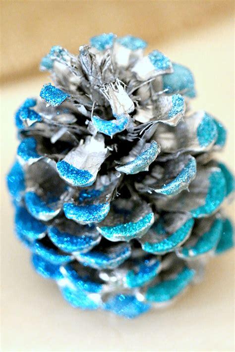 fall ornaments glitter pine cones diy fall decor