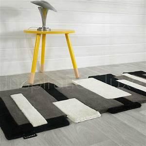 tapis noir et blanc prestige de couloir design pebbles par With tapis de couloir avec canapé lin convertible