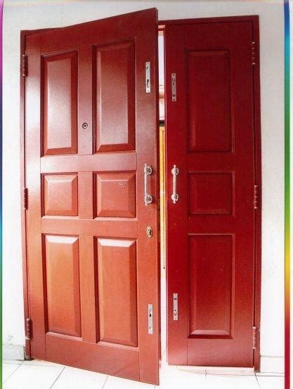 pintu besi rumah  garasi mobil minimalis modern gambar