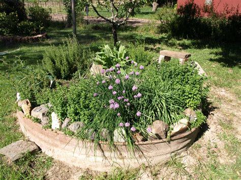 20+ Great Herb Garden Ideas