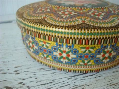 Vintage Tin Container, Made in Holland   Vintage tins