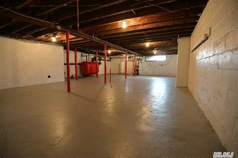 FREEPORT, NY – OFFICE/RETAIL SPACE 425 sq ft + 850sq ft ...