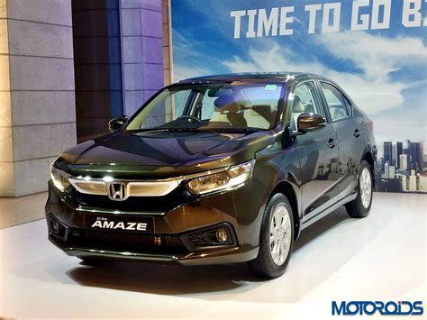 honda amaze features  detailed explained