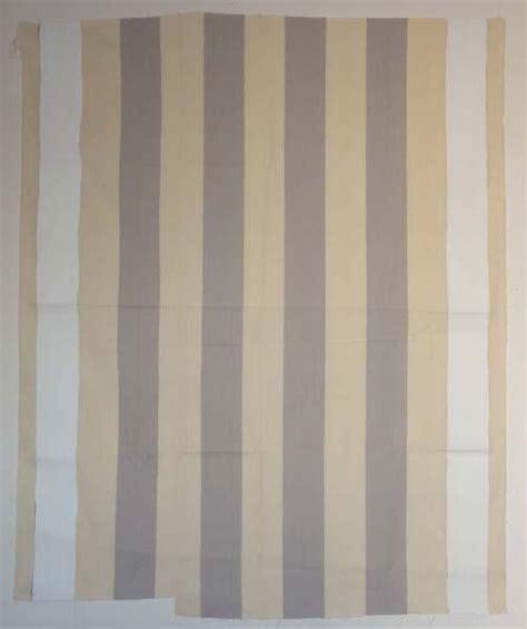 peinture acrylique blanche peinture acrylique blanche sur tissu 233 blanc et gris clair 1967 daniel buren wikiart org