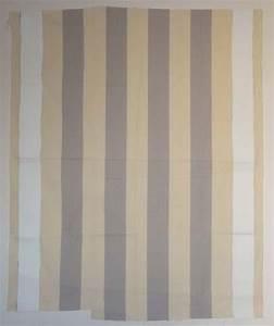 Peinture Blanc Gris : peinture acrylique blanche sur tissu ray blanc et gris clair 1967 daniel buren ~ Nature-et-papiers.com Idées de Décoration