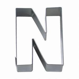 Emporte Piece Lettre : emporte pi ce lettre n stadter 6 5cm ~ Melissatoandfro.com Idées de Décoration