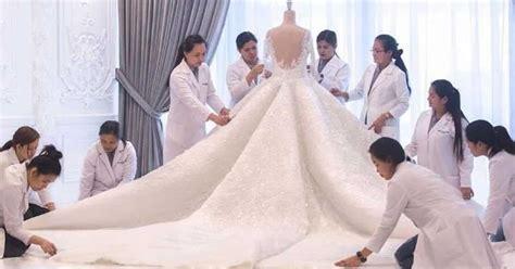 Lavish Princess-style Wedding Dress Is Designed With