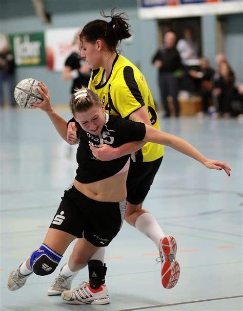 The fixtures, results, table and brief of germany 2 bundesliga handball league. Komm tanz mit mir (Handball 2. Bundesliga Damen) Foto ...