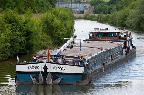 chambre d hote peniche péniche kairos bateau hote itinérant sur les fleuves d
