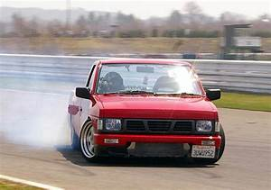 Drift Nissan & Datsun Pickup from Japan