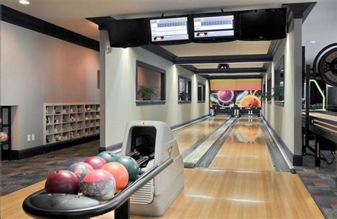 bowling alleys homes   rich