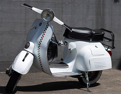 Fliesenfarbe Matt Weiß by Ford Frozen White Matt Lack Fotos Einer Vespa Gtr