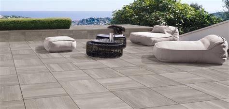 piastrelle per terrazzi pavimenti per esterni in gres per giardini terrazzi e
