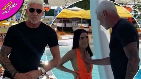 Wayne Lineker picks date from line-up of hot women – and ...
