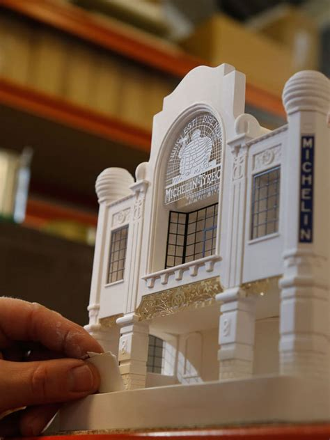chisel mouse recreates miniature architectural icons