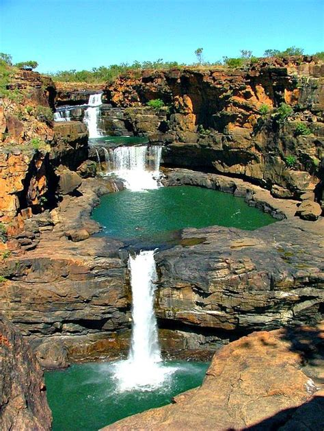 beautiful places  visit  australia worthminer