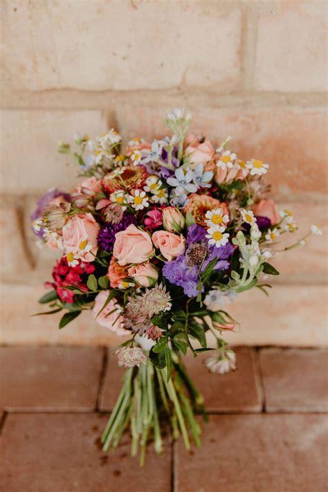 sommer hochzeitsstrauss wiesenblumen wedding bouquet