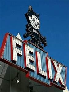 Stardust Motel neon sign Marfa Texas