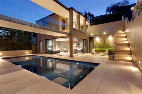 bedrooms luxury villa  sydney balmoral beach