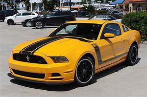 Ford Mustang 2013 : photo gallery 2013 ford mustang boss 302 in school bus yellow mustangs daily ~ Melissatoandfro.com Idées de Décoration