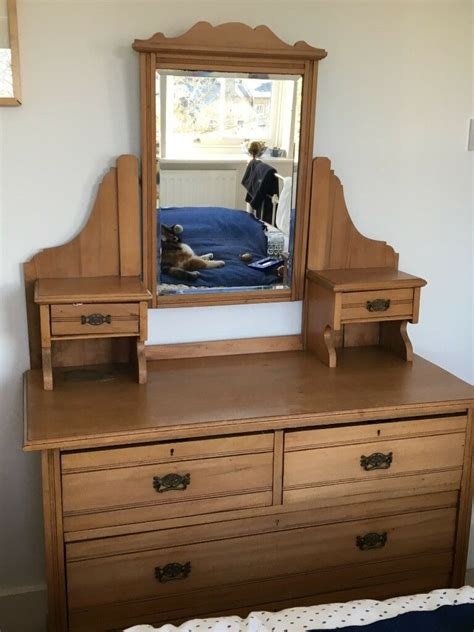 pine dressing table with 4 drawers and mirror in