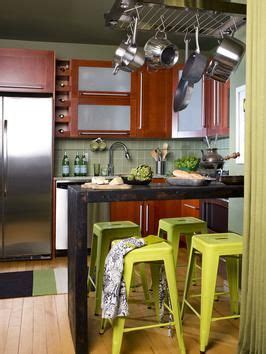 hanging cabinets in kitchen best 25 small kitchen makeovers ideas on 4135