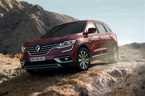 The renault koleos is a compact crossover suv which was first presented as a concept car at the geneva motor show in 2000, and then again in 2006 at the paris motor show, by the french manufacturer renault. Renault Koleos Facelift : Berubah Tipis, Jeroan Baru ...