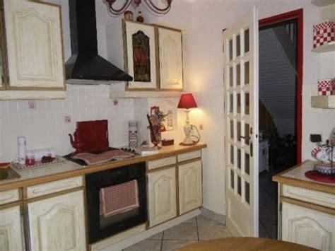 comment repeindre meuble de cuisine comment repeindre des meubles de cuisine couleur chãªne
