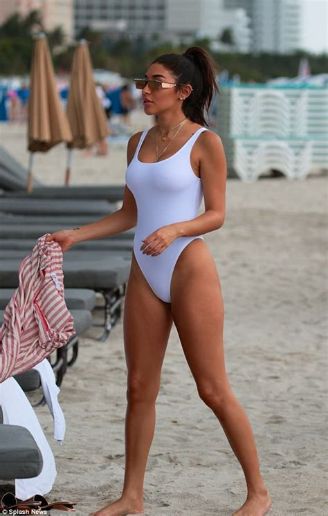 Chantel Jeffries sizzles in sexy bathing suit in Miami ...