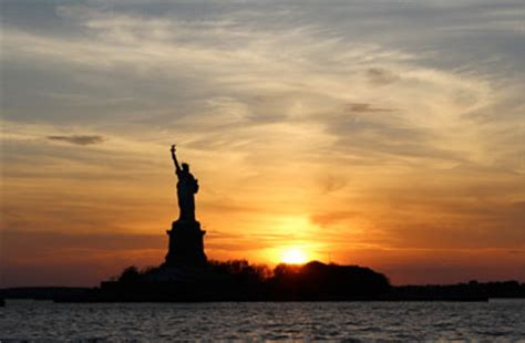 Classic Boat Cruise Nyc by Nyc Sightseeing Cruise On Yacht Manhattan Classic Harbor