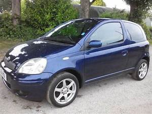 Toyota Yaris 2004 : 2004 toyota yaris 1 0 vvt i blue 3dr 3 door hatchback in thornton west yorkshire gumtree ~ Medecine-chirurgie-esthetiques.com Avis de Voitures