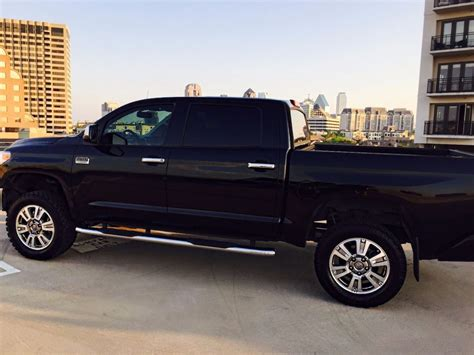 loaded  toyota tundra  edition lifted truck  sale