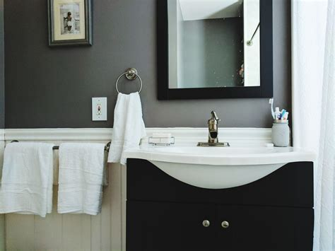 Bathroom Decor Ideas On A Budget by Budget Decorating Ideas For Your Guest Bathroom