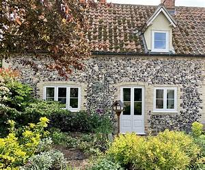 Cottage, Windows
