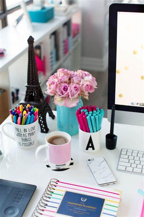 Desk Decoration by Best 25 Desk Decorations Ideas On Diy Desk