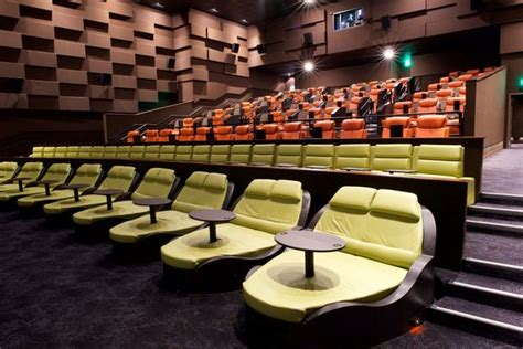 Luxury Dinein Theater Opens In Seaport With $29 'premium